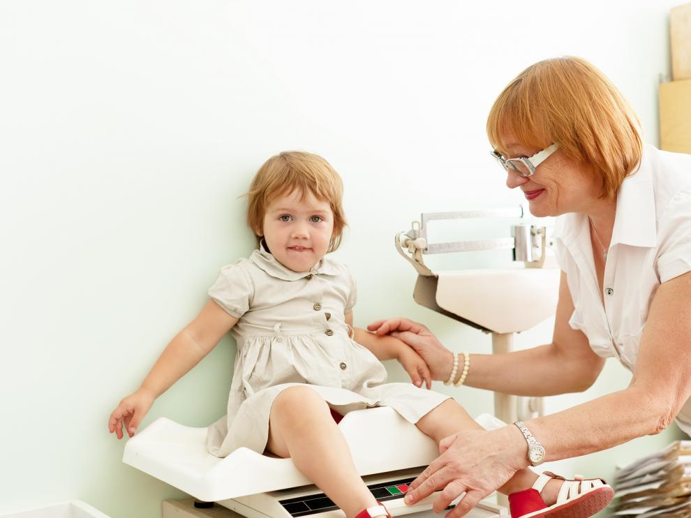 Es importante seguir unas normas básicas de alimentación para que, poco a poco, vayan creciendo como niños sanos.