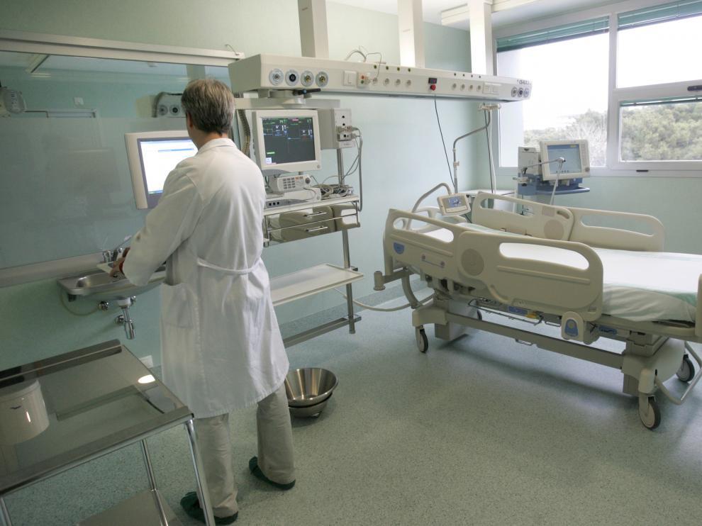 UCI HOSPITAL MIGUEL SERVET / 9-01-09 / FOTO: JUAN CARLOS ARCOS