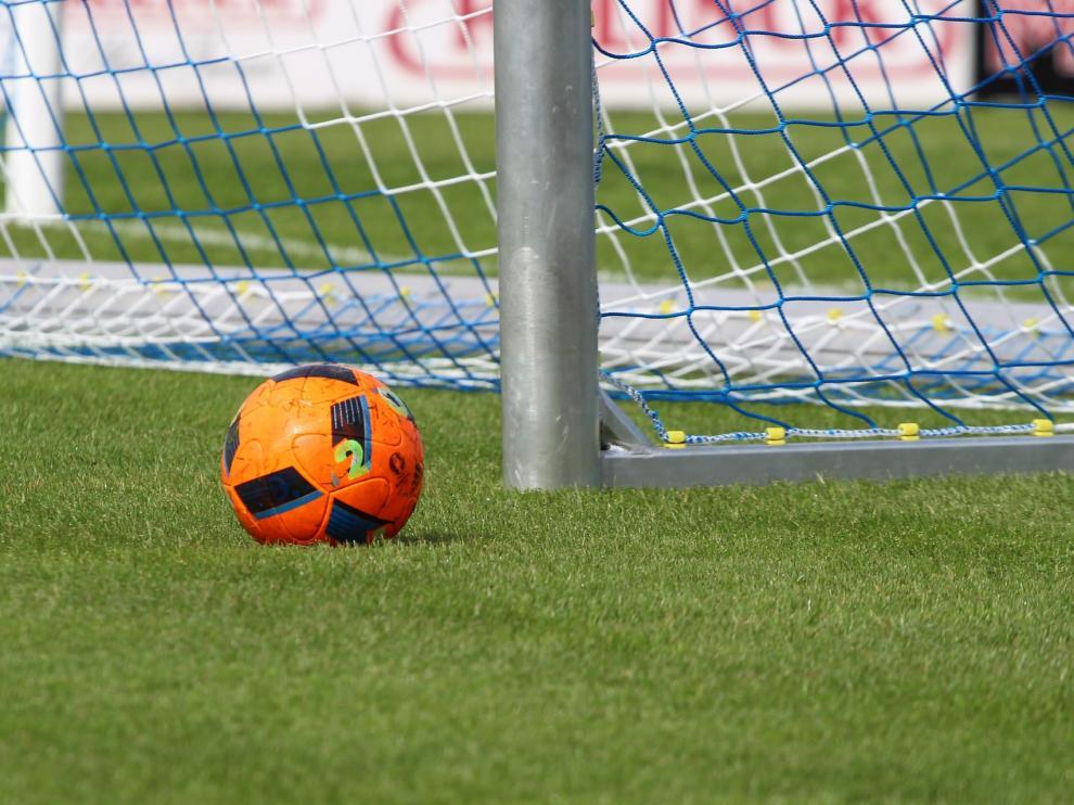 football-2415894_1920