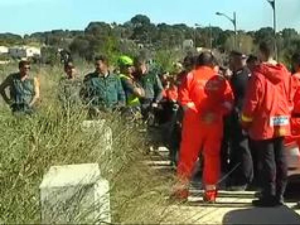 La búsqueda de los dos menores de 4 años y 3 meses de edad, ha terminado de la peor manera posible. Fueron encontrados enterrados a escasos metros de la casa donde vivían.