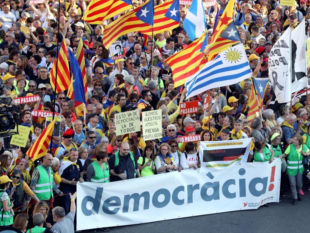 Miles de independentistas protestan en Madrid contra el juicio del 'procés'