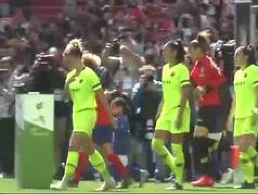 El partido de la Liga Iberdrola de fútbol femenino entre el Atlético de Madrid y el Barcelona ha batido un récord mundial de asistencia para un partido femenino de clubes