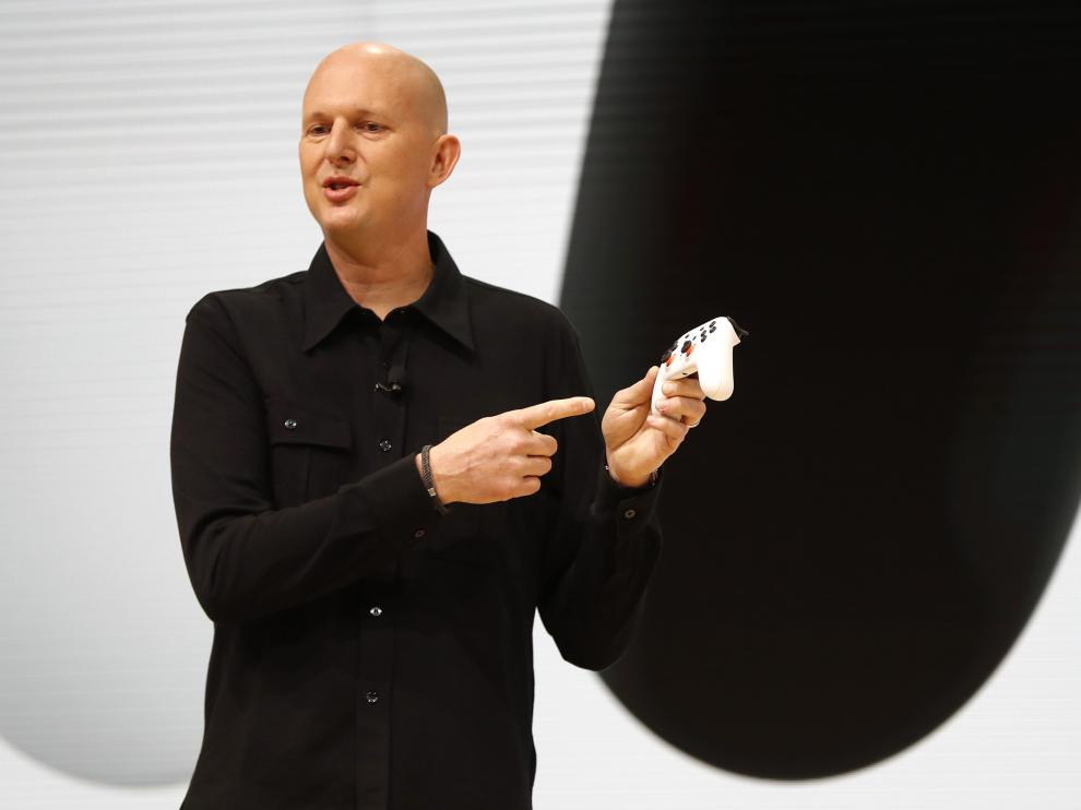 Google vice president and general manager Phil Harrison speaks during a Google keynote address announcing a new video gaming streaming service named Stadia that attempts to capitalize on the company's cloud technology and global network of data centers, at the Gaming Developers Conference in San Francisco, California, U.S., March 19, 2019. REUTERS/Stephen Lam [[[REUTERS VOCENTO]]] ALPHABET-GOOGLE/GAMING