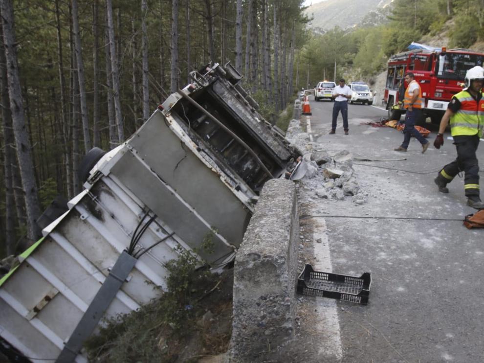Accidente de un camión ocurrido a finales del año pasado en la N-260 a la altura de Campo.