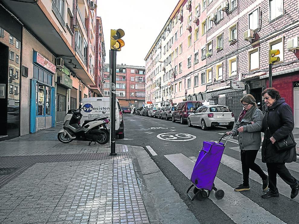 La calle del Monasterio de Veruela, del barrio de Las Fuentes, recuperó el jueves la normalidad.
