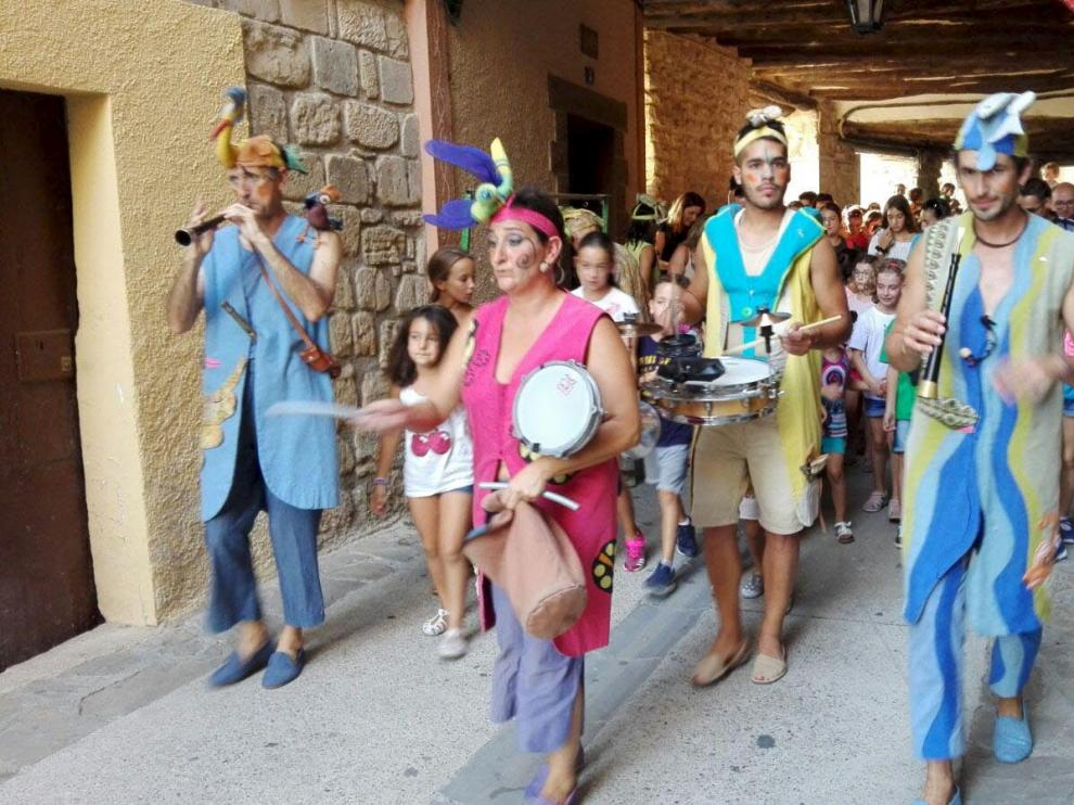 Los Titiriteros de Binéfar actuarán en la fiesta de este sábado.