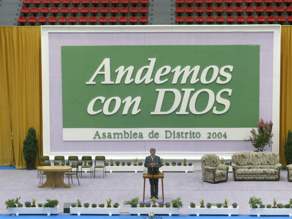 TESTIGOS DE JEHOVA / ASAMBLEA DE DISTRITO / PABELLON PRINCIPE FELIPE / 23-07-04 / FOTO: JUAN CARLOS ARCOS FF7B0028.jpg