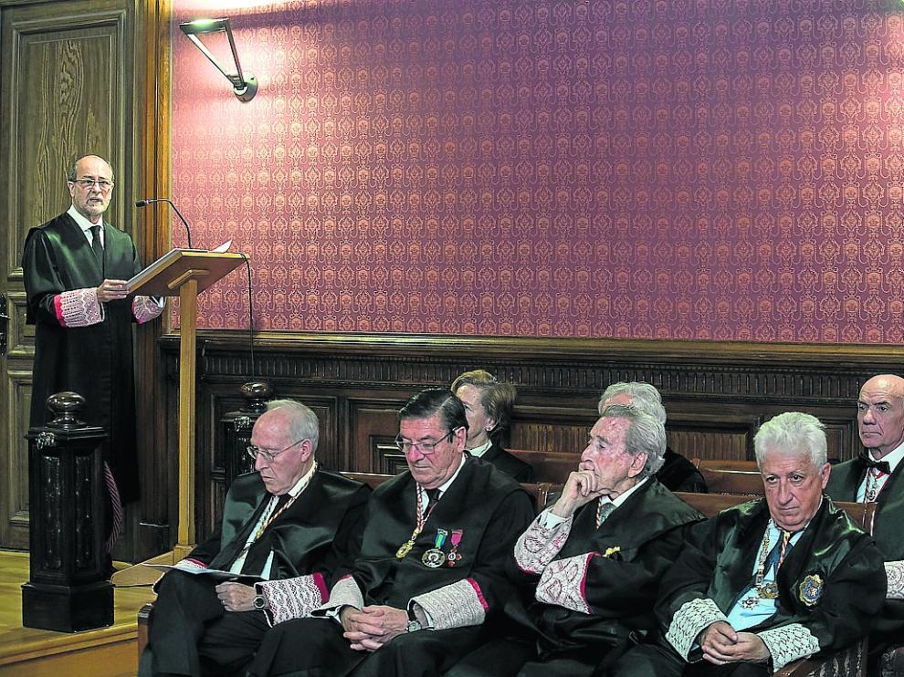 El jurista Juan Antonio García Toledo, el jueves durante la lectura de su discurso.