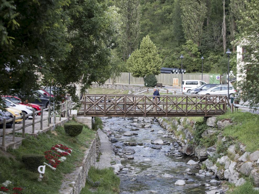 Imagen del río Aguas Limpias, que junto al Gállego recibe los vertidos residuales de Sallent.