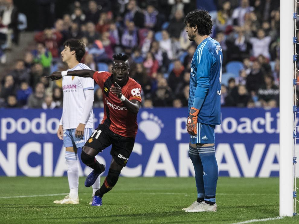 Lago junior celebra su gol en La Romareda durante el Zaragoza-Mallorca de la primera vuelta.