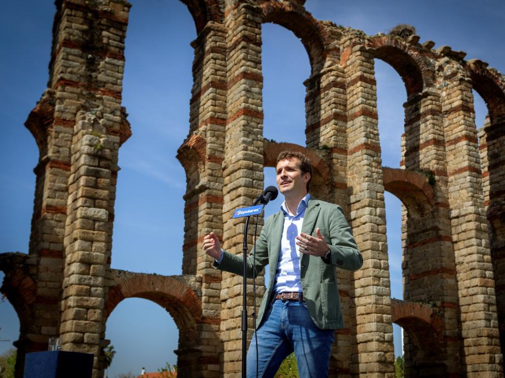 Pablo Casado, en el acto de este sábado junto al acueducto de Los Milagros, en Mérida.