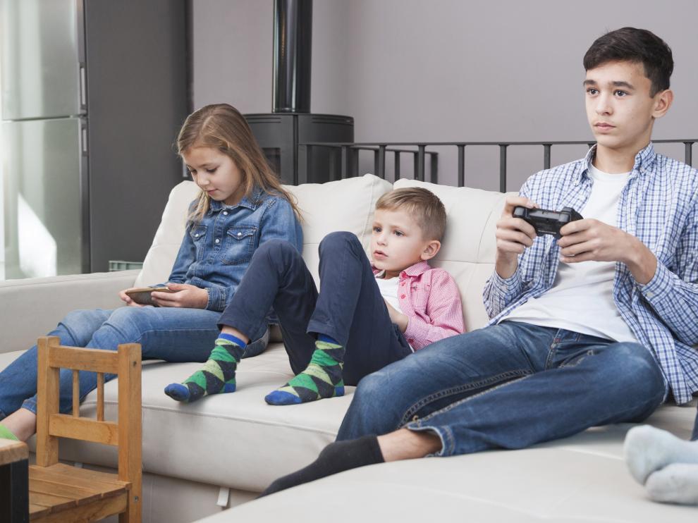 ¿Sabemos qué servicios tienen nuestros hijos a su alcance en internet?