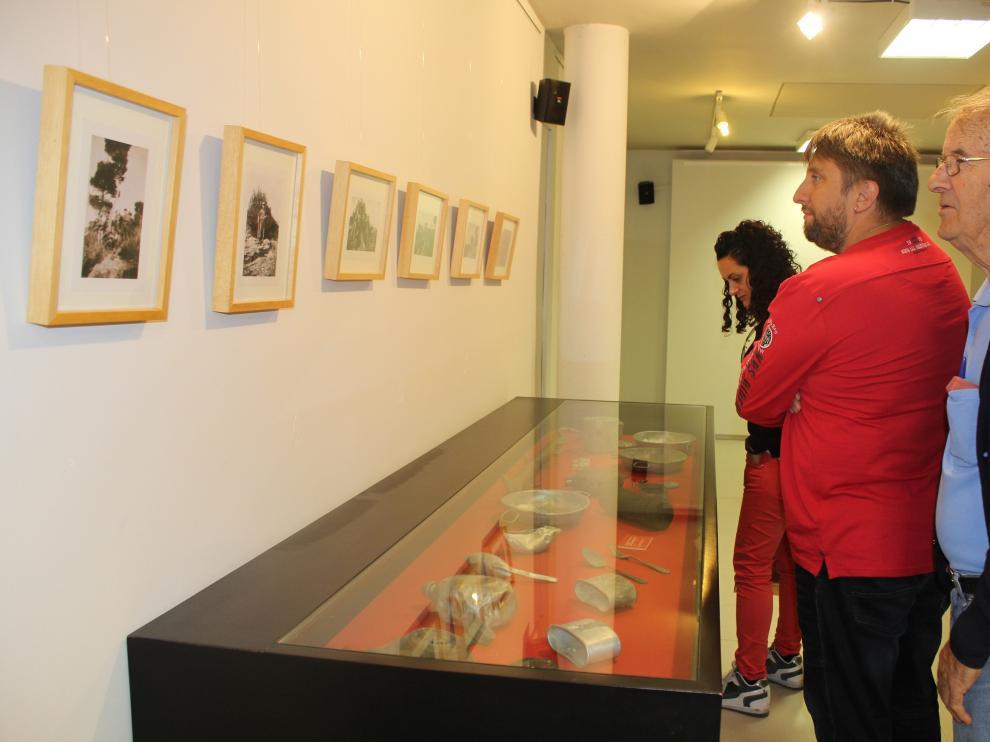 Visitantes en el Centro de Interpretación de la Guerra Civil, en Robres.