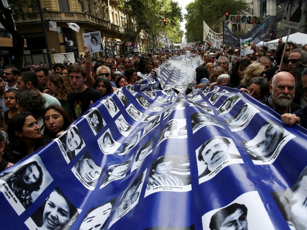 Manifestación Argentina aniversario golpe de estado.