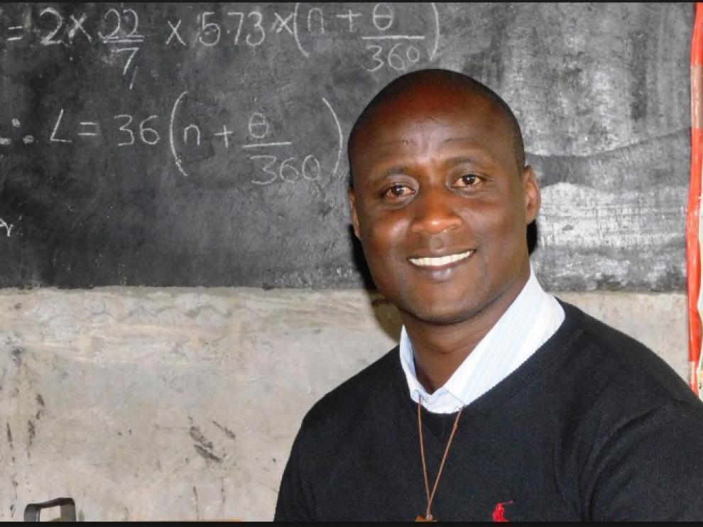 Petar Tabichi, maestro en una remota aldea de Kenia, mejor profesor del mundo.