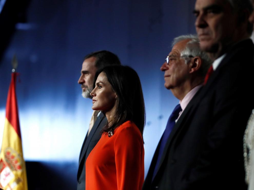 Borrell junto a los Reyes en su vivita a Argentina.