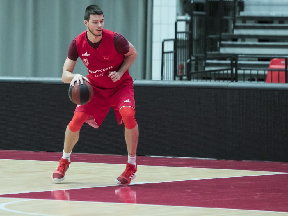 Jonathan Barreiro, en un entrenamiento reciente con el Tecnyconta Zaragoza.