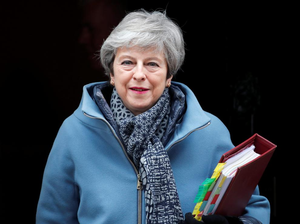 Britain's Prime Minister Theresa May leaves 10 Downing Street, as she faces a vote on alternative Brexit options, in London, Britain, March 27, 2019. REUTERS/Alkis Konstantinidis [[[REUTERS VOCENTO]]] BRITAIN-EU/