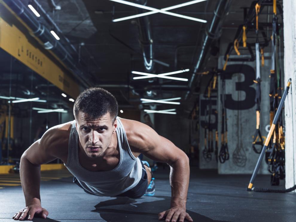 La probabilidad de tener un problema cardiovascular es un 97% menor entre los hombres que hacen más de 40 ejercicios de este tipo que entre quienes no pasan de 10.