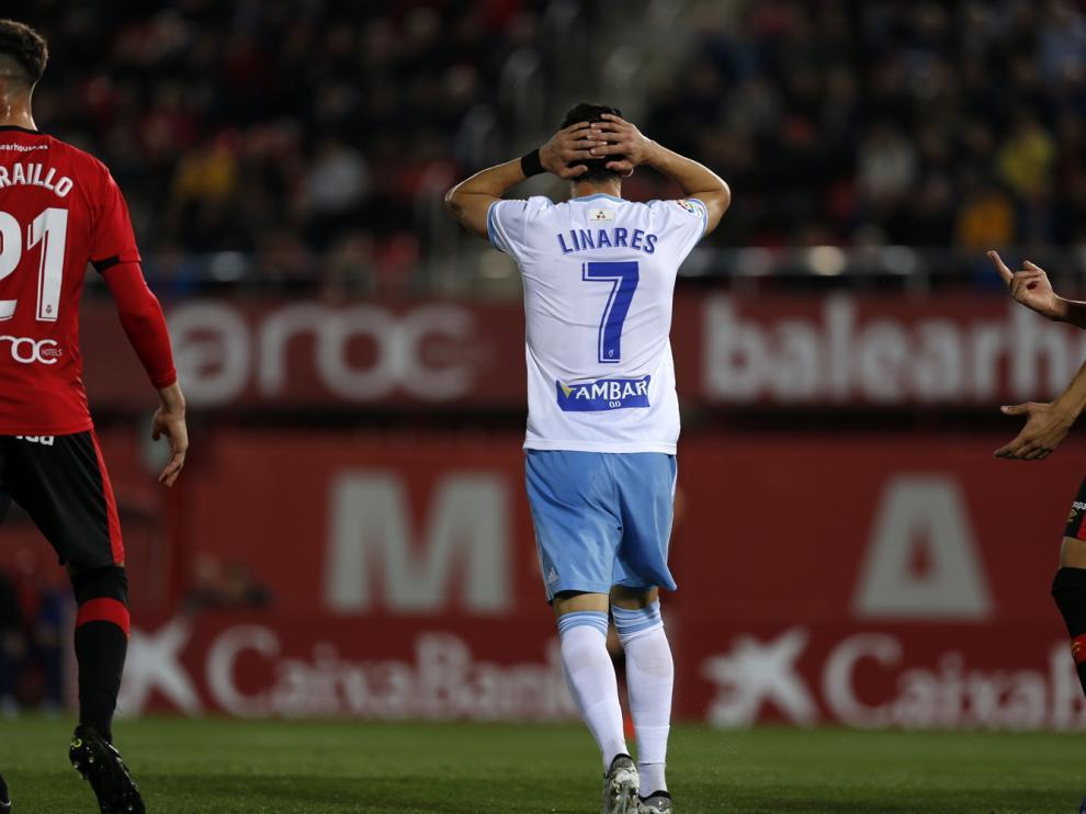 Miguel Linares, de espaldas, el lunes pasado en Mallorca.