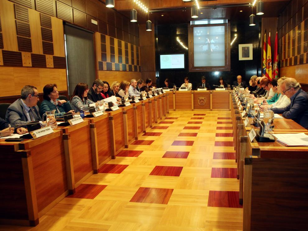 Sesión plenaria del Ayuntamiento de Huesca de este miércoles.