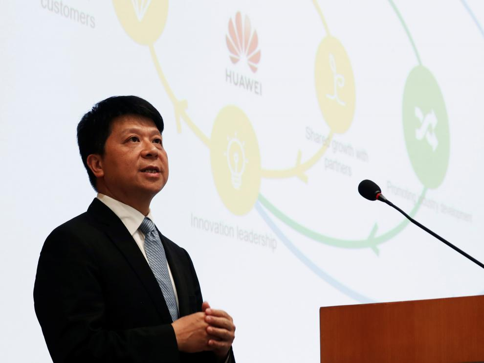 Huawei's rotating Chairman Guo Ping speaks during an news conference in Shenzhen, Guangdong province, China March 29, 2019. REUTERS/Tyrone Siu [[[REUTERS VOCENTO]]] HUAWEI-RESULTS/
