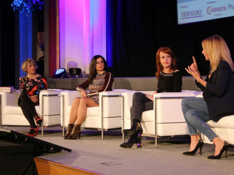 Raquel Fuertes, Inés Molina, Vanessa Montfort y Berta Collado, en 'Mujeres de éxito'.