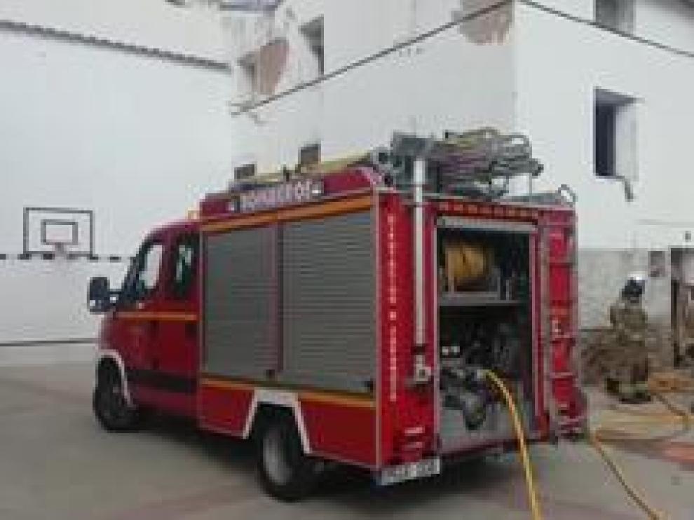 Los bomberos de la Diputación Provincial de Zaragoza han hallado el cadáver hacia las 10.15.