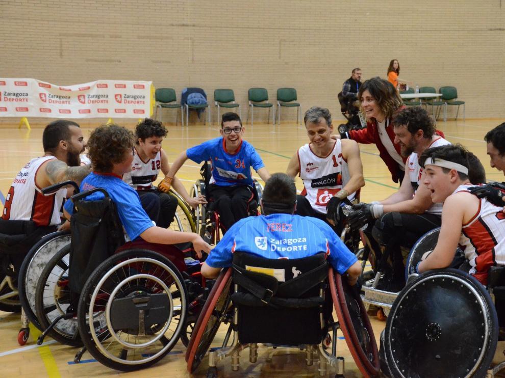 El CAI Deporte Adaptado se conjura antes de un partido.
