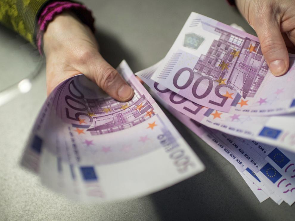 Los billetes de 500 euros han dejado de fabricarse pero siguen siendo legales.