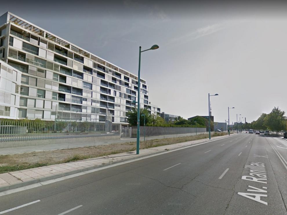 Los hechos ocurrieron a la altura del número 3 de la avenida de José de Atarés, en el Actur.