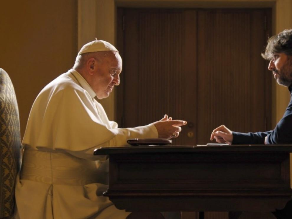 Momento de la entrevista de Jordi Évole al Papa
