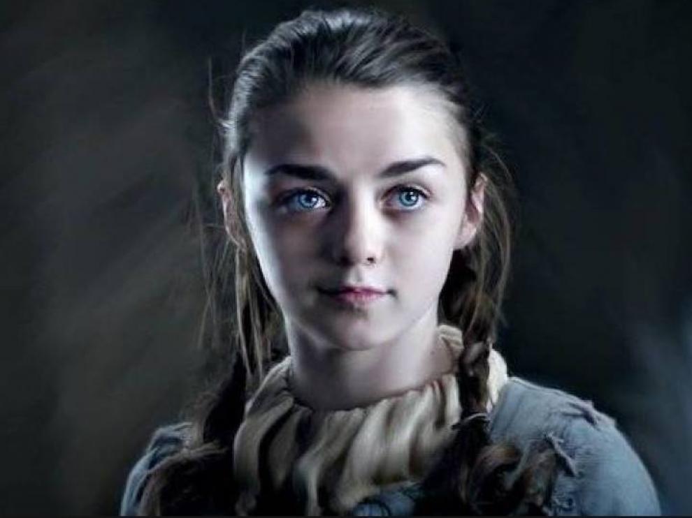 Maisie Williams encarna a Ayra, la más joven y valiente de las mujeres Stark.