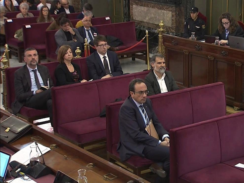Santi Vila, Meritxel Borrás, Carles Mundo, Jordi Cuixart, Josep Rull y Jordi Turull, acusados en el juicio del Procés