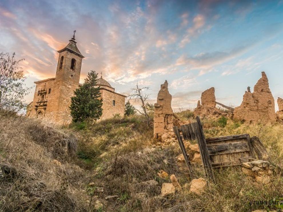 Núcleo abandonado de Mas del Labrador, en la Comarca de Matarraña.