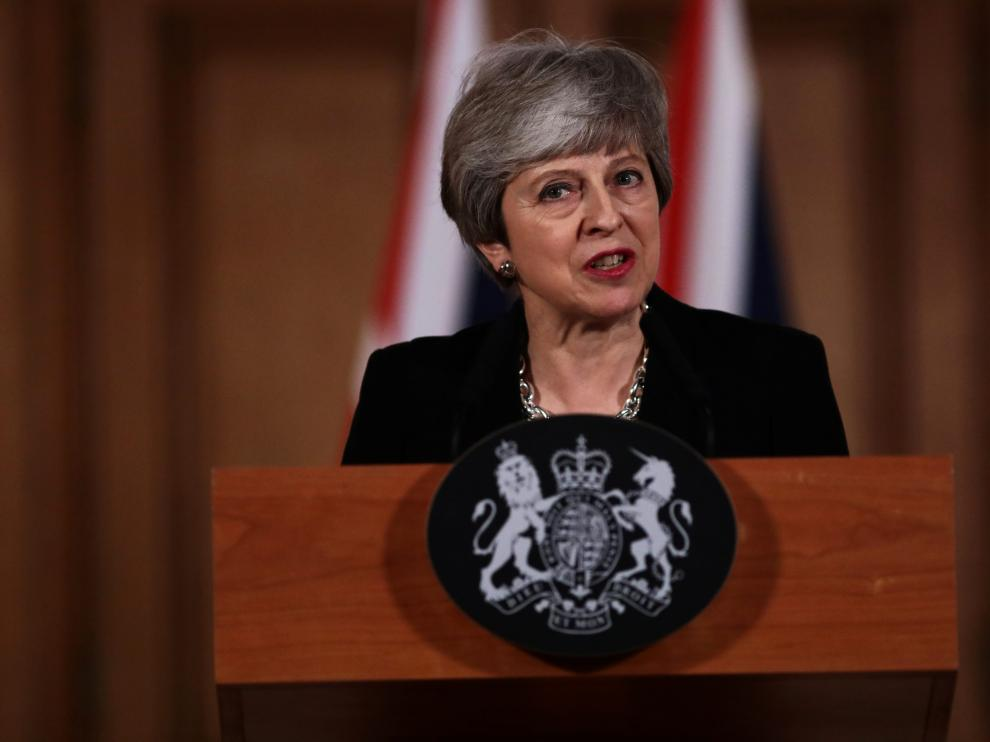 British Prime Minister Theresa May gives a news conference after a cabinet meeting about yesterday's alternative Brexit options vote, outside Downing Street, London, Britain April 2, 2019. Jack Taylor/Pool via REUTERS [[[REUTERS VOCENTO]]] BRITAIN-EU/
