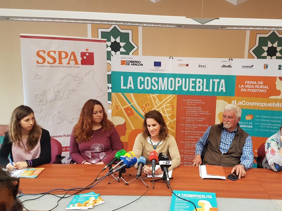 Presentación de La Cosmopueblita en Teruel.