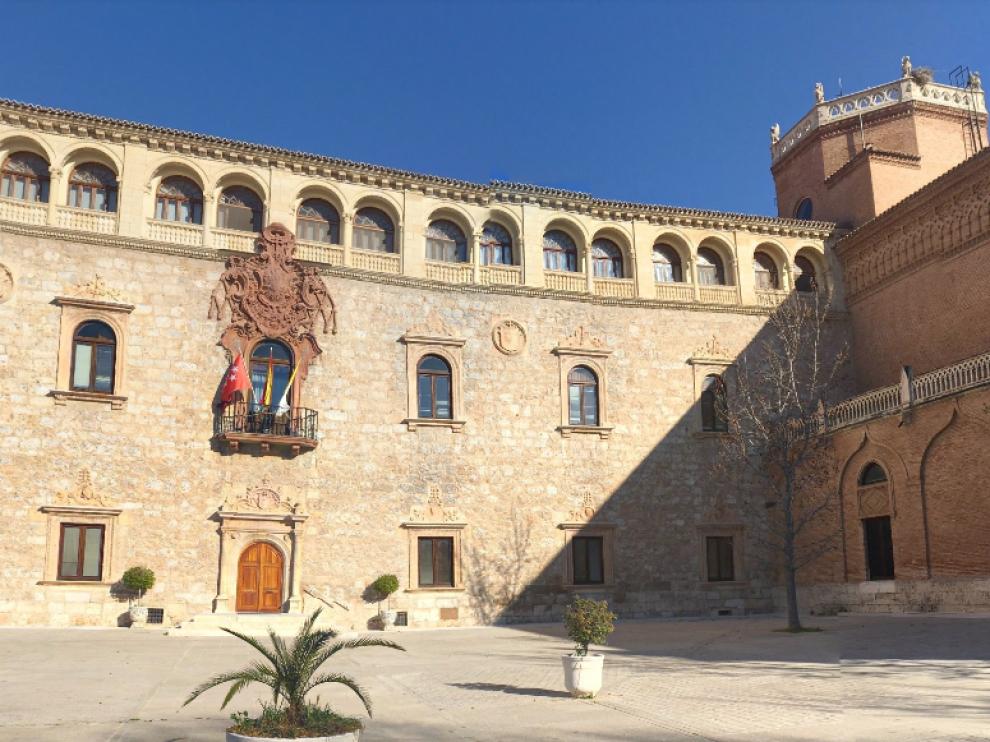 """Obispado de Alcalá de Henares, donde impartían charlas para """"curar la homosexualidad""""."""