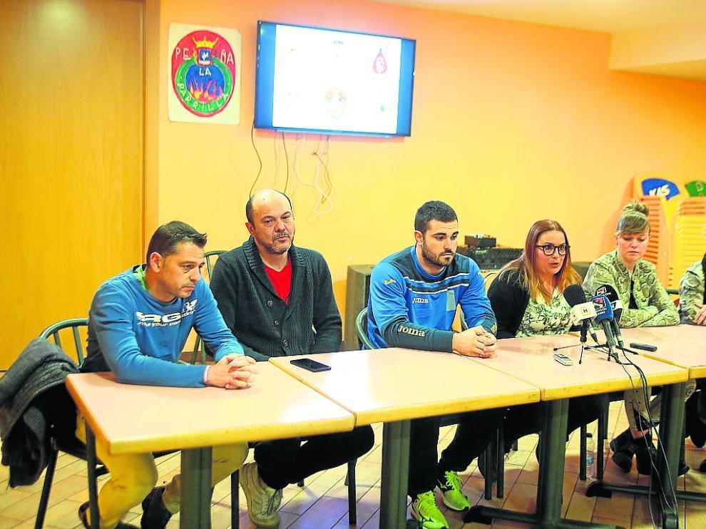 Los representantes de las seis peñas ofrecieron una rueda de prensa para explicar su malestar.