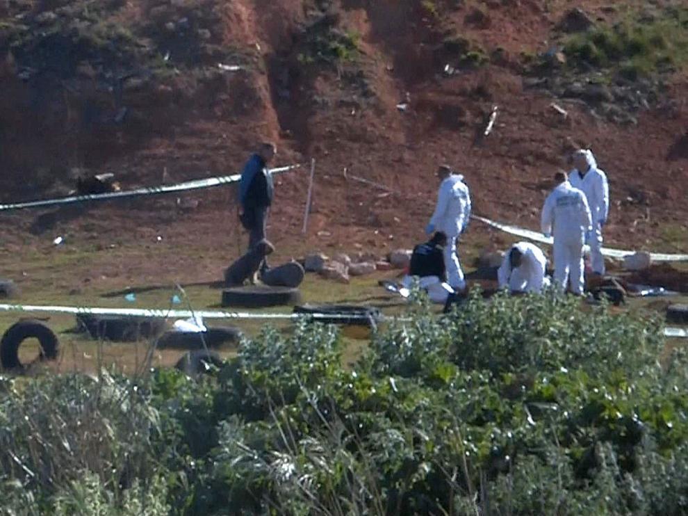 La policía científica investiga el lugar en el que ha sido hallado el cadáver de la joven desaparecida en Vinaroz.