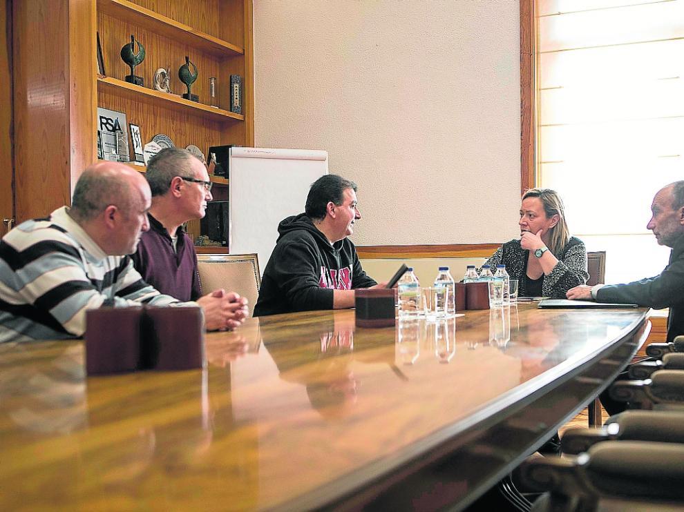 Gastón, ayer con los representantes de las subcontratas de la térmica