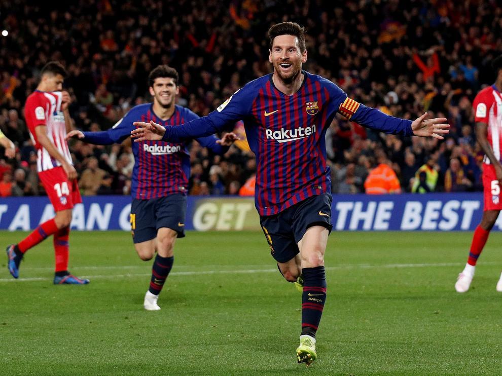 Soccer Football - La Liga Santander - FC Barcelona v Atletico Madrid - Camp Nou, Barcelona, Spain - April 6, 2019   Barcelona's Lionel Messi celebrates scoring their second goal                   REUTERS/Albert Gea [[[REUTERS VOCENTO]]] SOCCER-SPAIN-FCB-ATM/