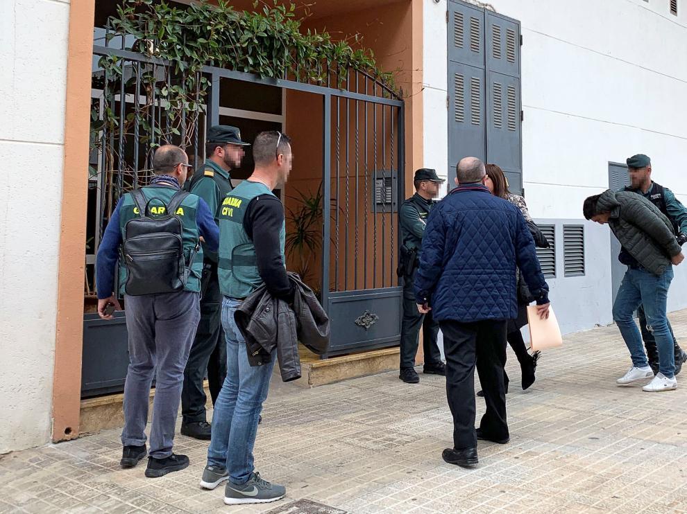 Momento de la detención de quien fue novio de Nelea, la joven asesinada y descuartizada en Vinaroz.