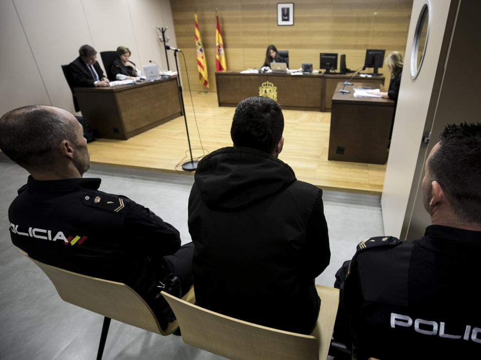 Aarón Jonás B. M. fue juzgado este miércoles en Zaragoza.