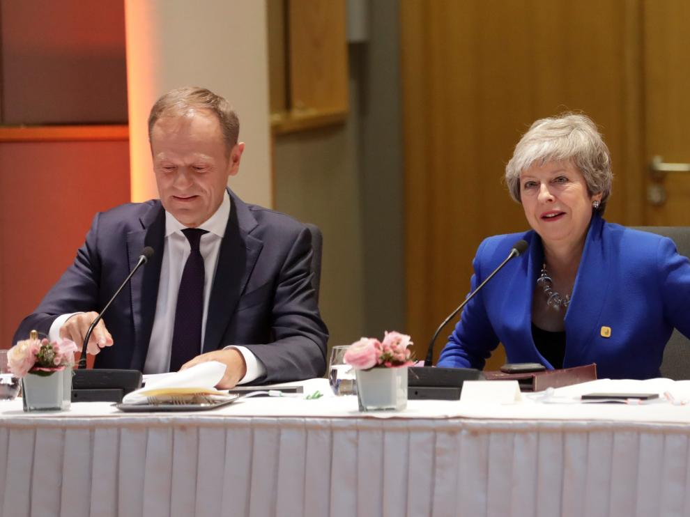 European Council President Donald Tusk and Britain's Prime Minister Theresa May attend an extraordinary European Union leaders summit to discuss Brexit, in Brussels, Belgium April 10, 2019.  Olivier Hoslet/Pool via REUTERS [[[REUTERS VOCENTO]]] BRITAIN-EU/SUMMIT