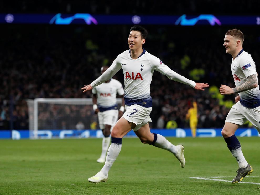 Celebración del gol de Son para el Tottenham.