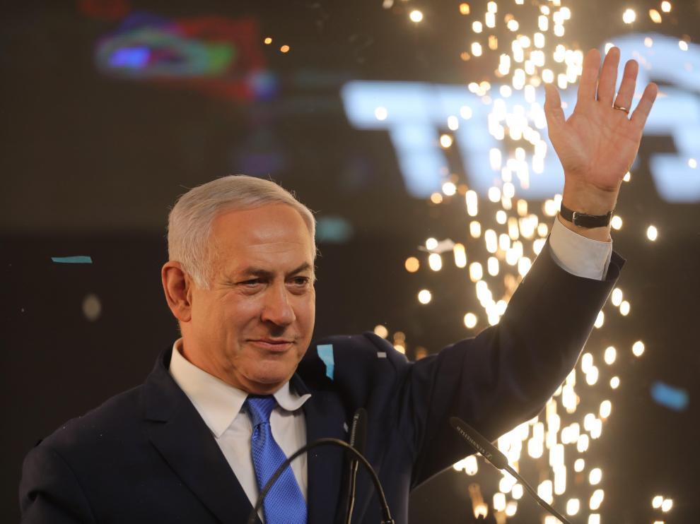 El primer ministro de Israel, Benjamin Netanyahu, celebra el resultado de las elecciones.
