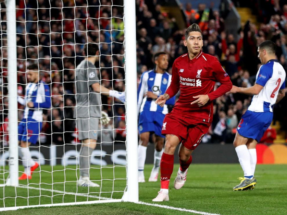 Firmino celebra el segundo el gol del Liverpool.