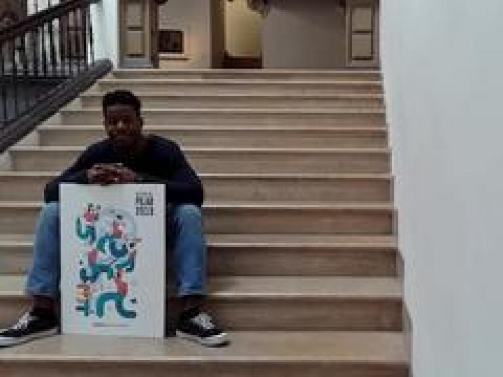 Samuel Akinfenwa es el autor de 'Pilares', el cartel de las próximas Fiestas de Zaragoza, y se ha llevado un premio de 4.000 euros.