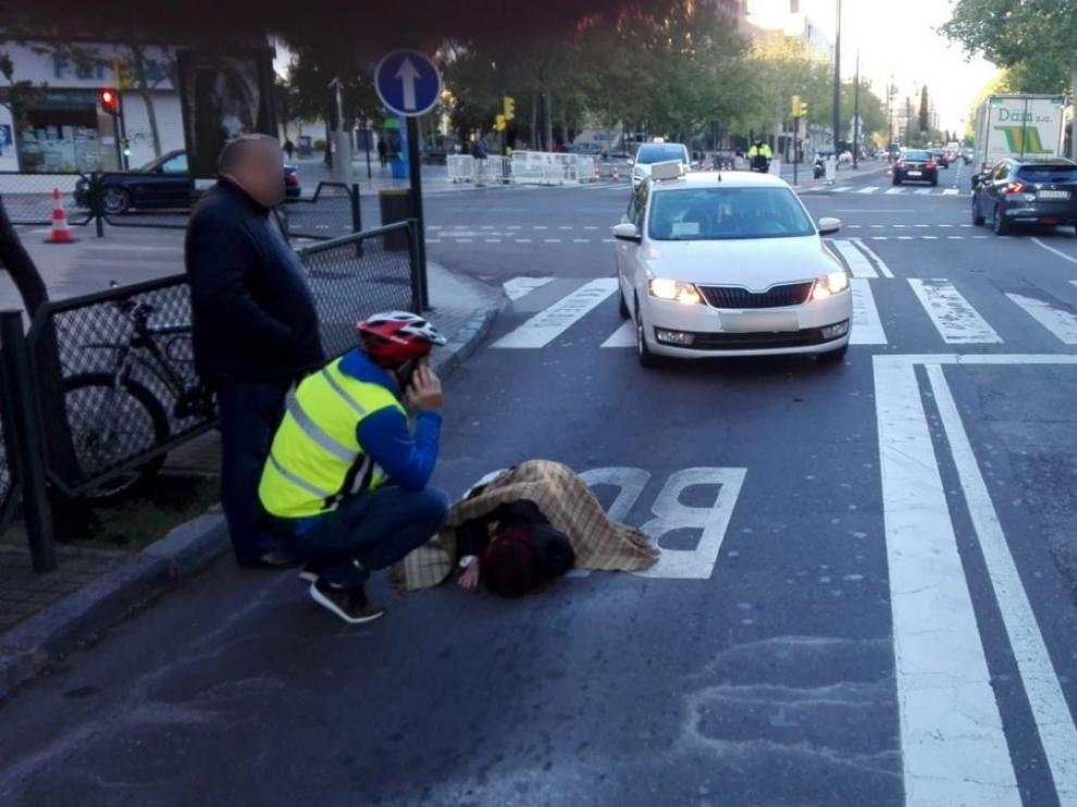 Herida una mujer tras ser atropellada por un taxi en Corona de Aragón